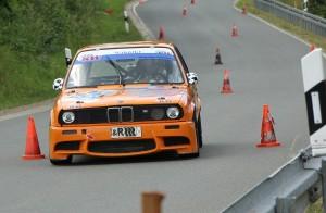 Andi Fleischmann in neu aufgebauten BMW